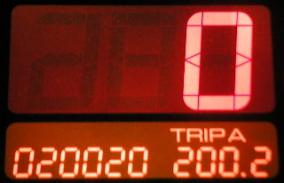 Odometer:020020, Trip A:200.2, Speed:0